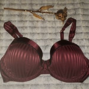 NWOT BEAUTIFUL 36D GILLIGAN & OMALLEY PUSH UP BRA
